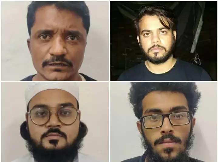 delhi police arrest 6 terrorists