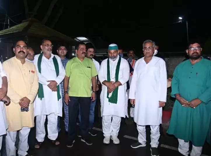 किसान नेता राकेश टिकैत प्रदेश के मुख्यमंत्री भूपेश बघेल